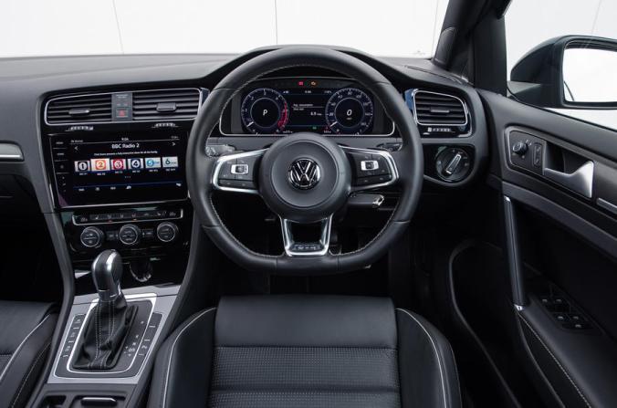 volkswagen-golf-gtd-drivers-seat